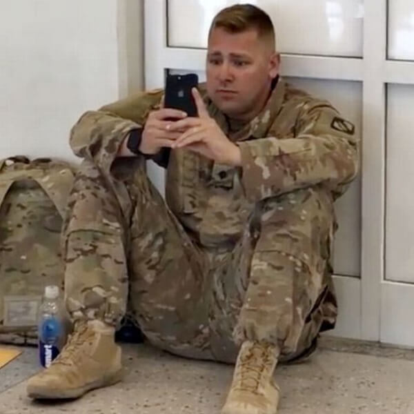 Soldier Airport FaceTime Daughter Birth