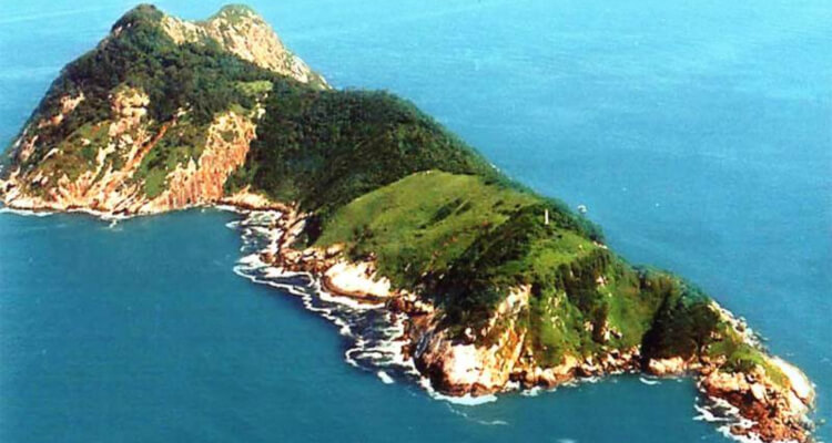 Places You're Not Allowed To Visit Snake Island