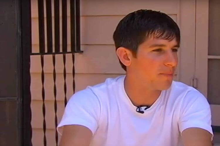 When This Man Entered His Neighbor's Home, He Realized They'd Have To Burn It Down - 0
