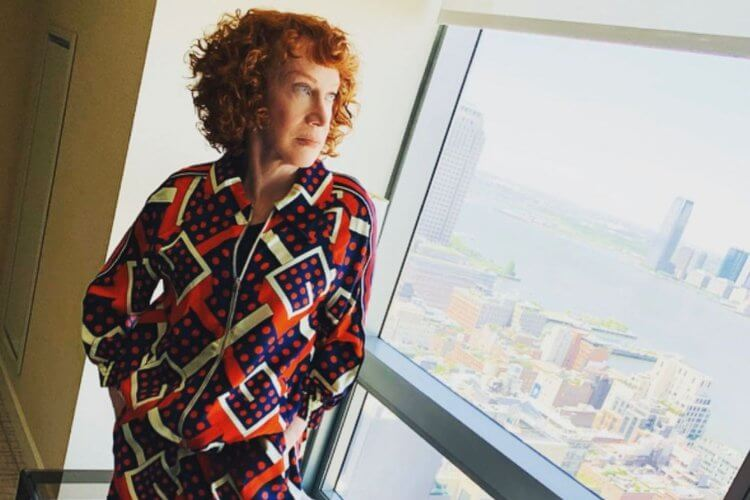 Comic Kathy Griffin Undergoing Lung Cancer Treatment - 2