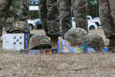 Paratroopers Donate Over 1,500 Toys Christmas 2020
