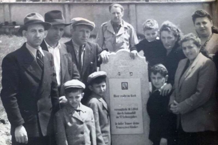 Holocaust Survivors Meet Again After 71 Years