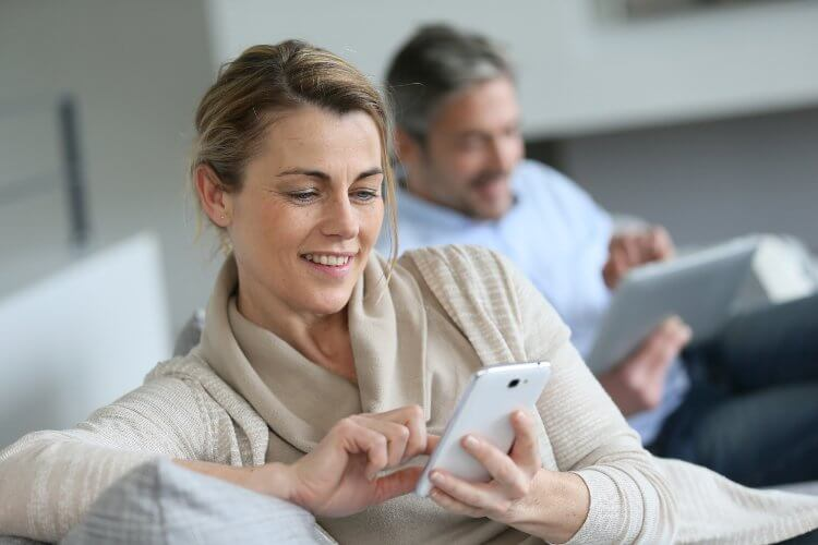 How Your Smartphone Can Ruin Your Relationship - 0